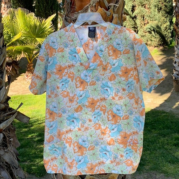 medgear Tops - Women's Floral Scrub Top Size Medium Medical